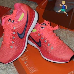 Women Nike air zoom pegasus 34